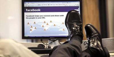 В РФ постепенно вводят запрет на иностранные мессенджеры и соцсети для госслужащих