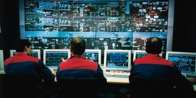 Власти поручили взлом мессенджеров разработчикам системы СОРМ