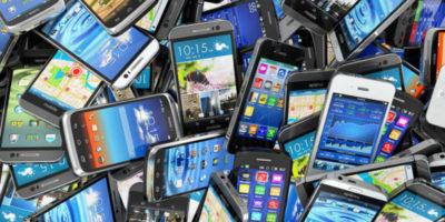 Граждан России обяжут регистрировать смартфоны